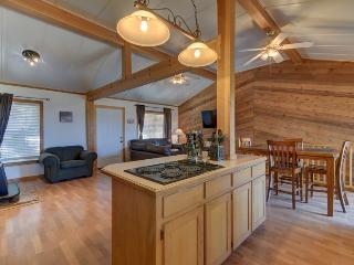 Waters Edge Retreat At Canyon Lake - Canyon Lake vacation rentals