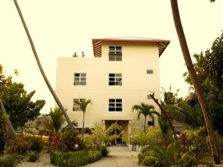 Ariston Dhangethi INN - Dhangethi Island vacation rentals