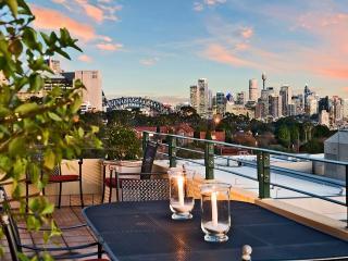 Wollstonecraft Wonder (close to North Sydney) - Manly vacation rentals