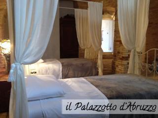 Palazzotto d'Abruzzo - The Italian great beauty - Loreto Aprutino vacation rentals
