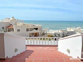 Vistas de Las Olas Main House - Ixtlahuaca de Rayon vacation rentals