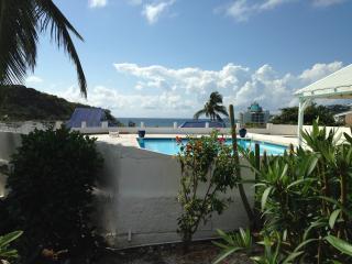 magnifique app vue mer Caraïbes - Oyster Pond vacation rentals