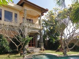 Beautiful 3 bedroom villa in Canggu close to beach - Canggu vacation rentals