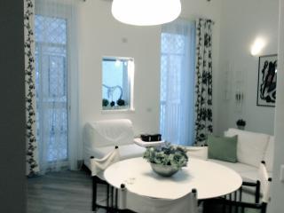 delizioso appartamento - Bari vacation rentals