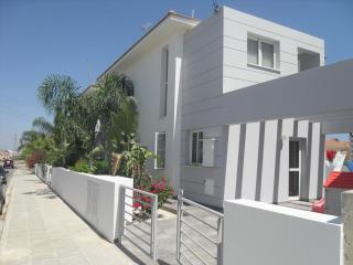 Oroklini 3 bed villa rental with private pool - Oroklini vacation rentals