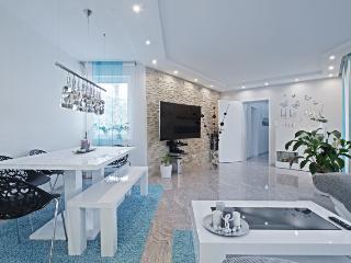 ID 3490 | 3 room apartment | WiFi | Laatzen - Laatzen vacation rentals