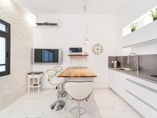 SOFT & STYLISH SUITE At Prestigious Location - Tel Aviv vacation rentals