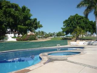 COME AND ENJOY OUR LITTLE PLACE IN PARADISE - San Jose Del Cabo vacation rentals