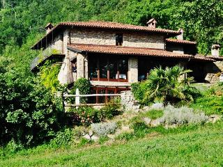 Exceptional villa in Piedmont, Italy, with 6 bedrooms, a pool and incredible views - Mombarcaro vacation rentals