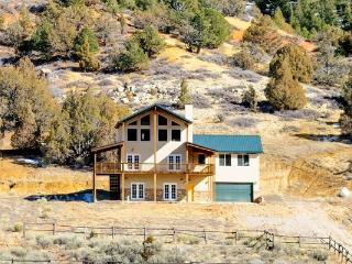 The Pecos Lodge Sleeps 18 in beds close to national parks - Brian Head vacation rentals
