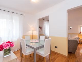 San Salvatore Bright Apartment - Sacrofano vacation rentals
