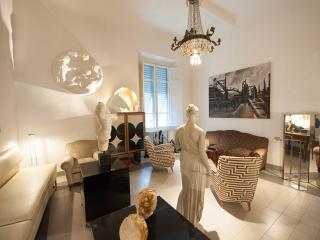 ARTFLAT AN ELEGANT SPACE - Florence vacation rentals