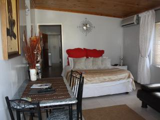 Buttons Self-Catering - Despatch vacation rentals