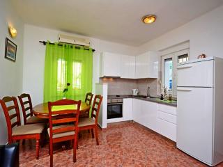 Apartment for 6 in heart of Split - Split vacation rentals