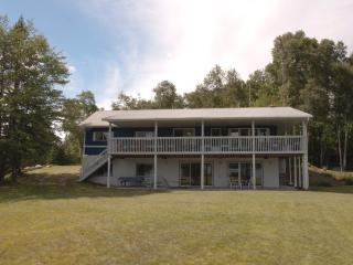 Kearney Lakehouse - Kearney vacation rentals