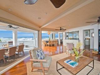 Luxurious and private 3 home estate with jacuzzi on Pipeline Beach - Haleiwa vacation rentals