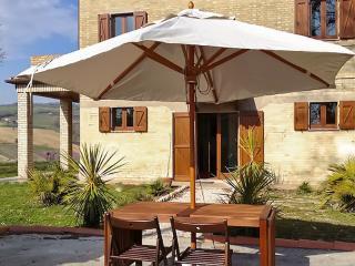 Impressive villa in Montelparo, Marche, with 5 bedrooms, private garden and stunning views - Montelparo vacation rentals