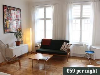 'Christianne', a bright, Prenzlauer Berg studio - Weissenfels vacation rentals