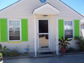 Ocean Block Cottage, Sleeps 6, Pet Friendly - Ship Bottom vacation rentals