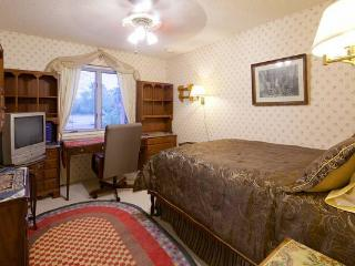 Furnished Room on Estate in Scottsdale - Scottsdale vacation rentals