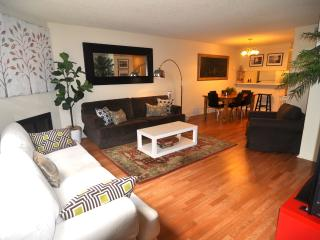 LOCATION!! SpaciousTownhouse Walk to Beach, Pier - Santa Monica vacation rentals