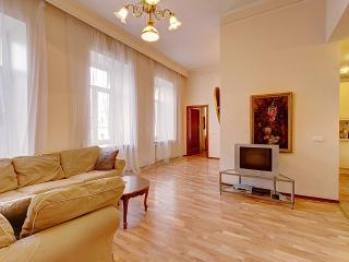 2-bedroom apartment on Moika embankment(357) - Saint Petersburg vacation rentals