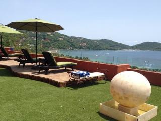 Less Than 200m from La Ropa - Zihuatanejo vacation rentals