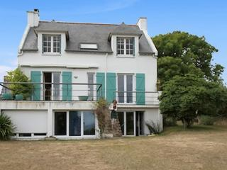 Large house in the heart of Finistère, Brittany, with 6 bedrooms, private garden and sea views - Lorient vacation rentals