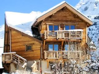 """La Fare"" – lovely apartment in Vaujany, Isère with 2 bedrooms and balcony - Vaujany vacation rentals"
