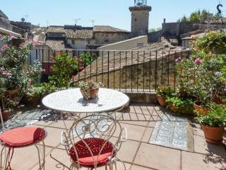 Beautifully-restored 15th century house in Provence w WiFi - 20min from Aix, 45min from Avignon - Pelissanne vacation rentals