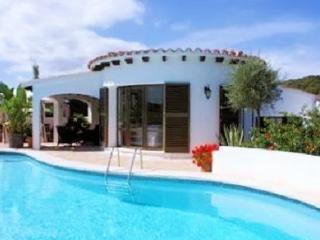 Lovely villa with 3 beautiful bedrooms and swimming pool - Ferreries vacation rentals