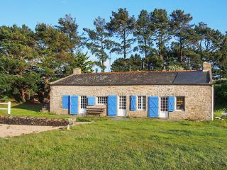 Original seaside house in Brittany with 4 bedrooms, lovely garden, jetty and boat - Baden vacation rentals