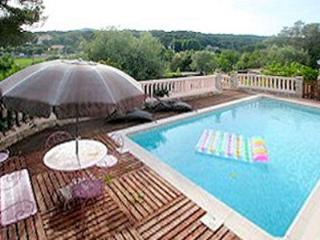 Seaside flat in Juan Les Pins in private villa with shared pool - Biot vacation rentals
