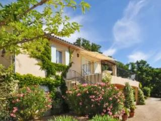 Beautiful house with views of Luberon, 2 bedrooms and huge terrace - Villars en Luberon vacation rentals