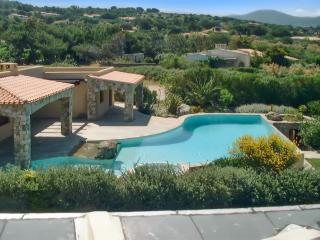 Beautiful house in Corsica, near Calvi & L'Île Rousse, w/ large pool - 10m from the beach! - Corbara vacation rentals