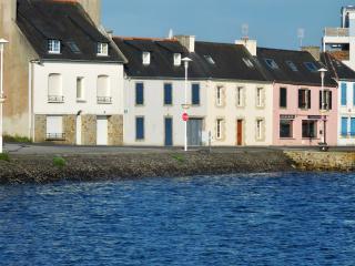 Family home in the heart of Finistère, with an exceptional view of the sea and harbour - Camaret-sur-Mer vacation rentals