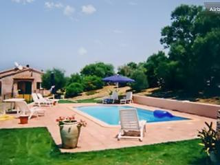 Lovely villa in South Corsica with 2 bedrooms, shared swimming pool, Jacuzzi and terrace - Porto-Vecchio vacation rentals