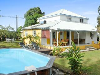 Delightful house in Sainte-Anne with 5 bedrooms, 3 bathrooms and pool - Pointe-Noire vacation rentals