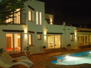 Stunning villa in Benissa with 3 bedrooms, pool, garden and sea views - Benissa vacation rentals