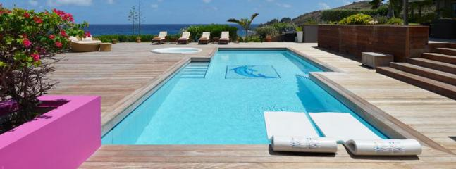 AVAILABLE CHRISTMAS & NEW YEARS: St. Barths Villa 85 The Property Finishes At The Edge Of The Water Facing The Sea. - Petit Cul de Sac vacation rentals