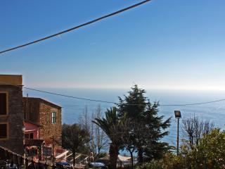 Casa Vacanze Ca' del Vescovo - Cipressa vacation rentals