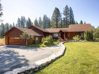 #3 EVERGREEN Large private home on the meadow $220.00-$255.00 BASED ON FOUR PEOPLE OCCUPANCY AND NUMBER OF NIGHTS (plus county tax, SDI, and processing fee) - Plumas County vacation rentals