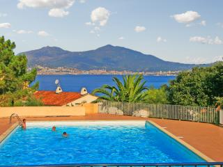 Colourful apartment in Porticcio, South Corsica, with balcony and pool - just 800m from the beach - Olmeto vacation rentals