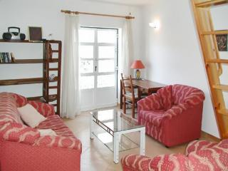 Pretty and practical apartment in Tavira with 2 floors and balcony, close to the sea - Tavira vacation rentals