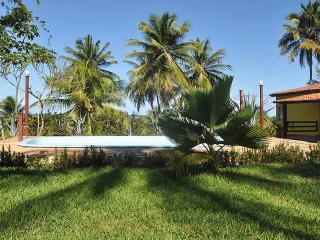 Lovely cabana in Barra do Jacuipe, Bahia with pool, close to the sea - Jenipabu vacation rentals