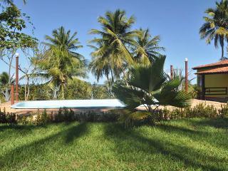Cosy cabana in Barra do Jacuipe, Bahia, with garden and pool, close to the beach - Jenipabu vacation rentals