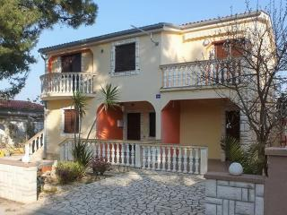 Wonderful apartment in Vir, Croatia, close to the sea - Vir vacation rentals