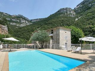 Spacious house in picturesque Sumène, Languedoc-Roussillon, with swimming pool and garden - Sumene vacation rentals