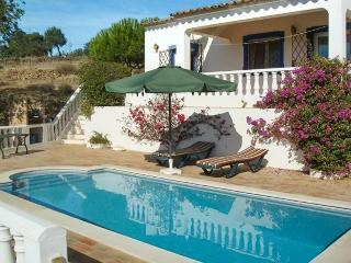 Lovely villa in Tavira, Portugal, with garden and swimming pool - Fonte do Bispo vacation rentals