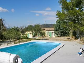 Country house in the Var, Provence, with pool and 6000 sqm garden! - La Verdiere vacation rentals